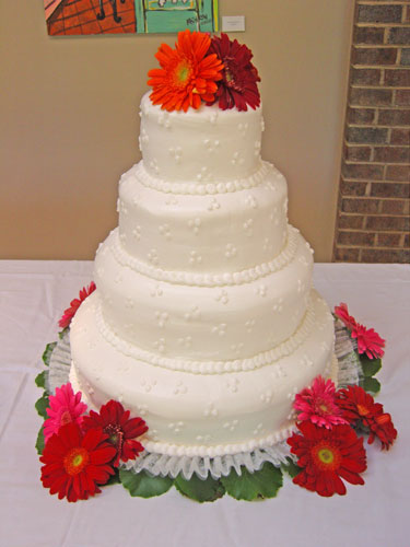 Village Bakery Knoxville Smooth Dots Wedding Cake